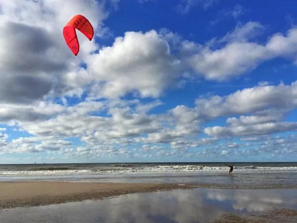 Fotos de La Haya, kitesurf rojo playas de Kijkduin