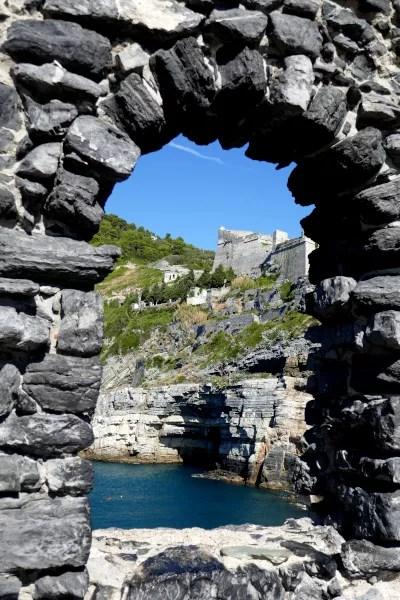 Fotos de Portovenere en Italia, cueva de Byron