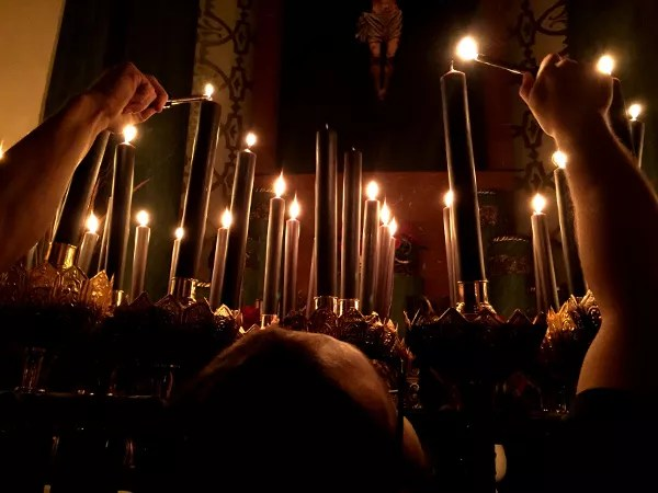 Fotos de Semana Santa de Murcia, silencio velas