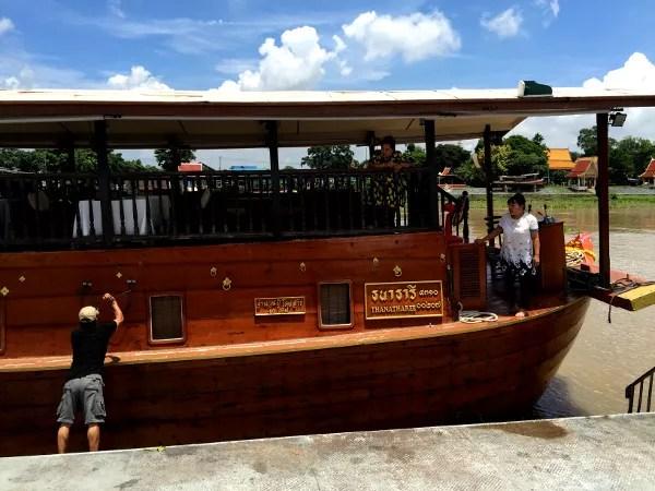 Fotos de Tailandia - crucero desde Ayutthaya, dejando el Thanatharee