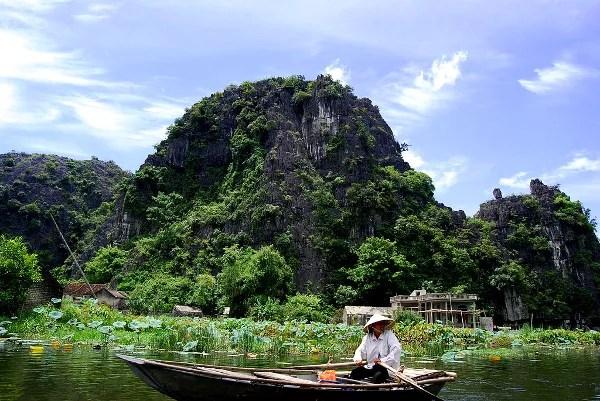 Fotos de Tam Coc en Vietnam, remeros en Tam Coc