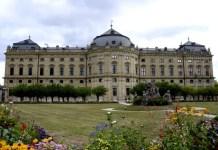 Fotos de la Residencia de Wurzburgo, fachada y flores