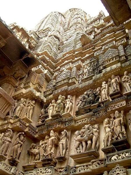 Fotos de los templos eroticos de Khajuraho, sikhara