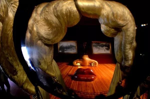 Fotos del Teatro-Museo Dalí de Figueres. Mae West