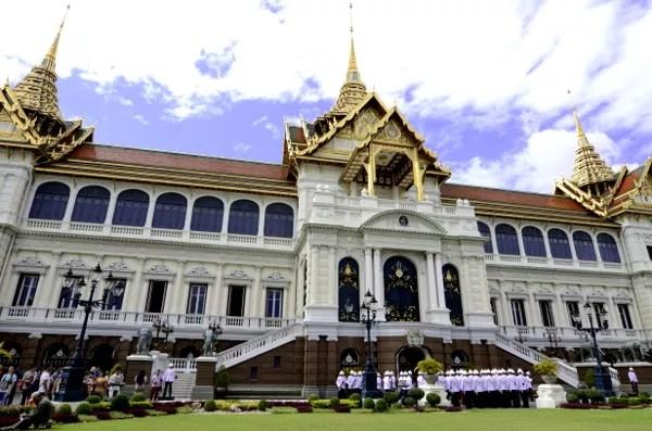 Fotos del Wat Phra Kaew y el Gran Palacio de Bangkok, palacio y guardias