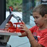 Niño jugando en el Playmobil FunPark de Alemania