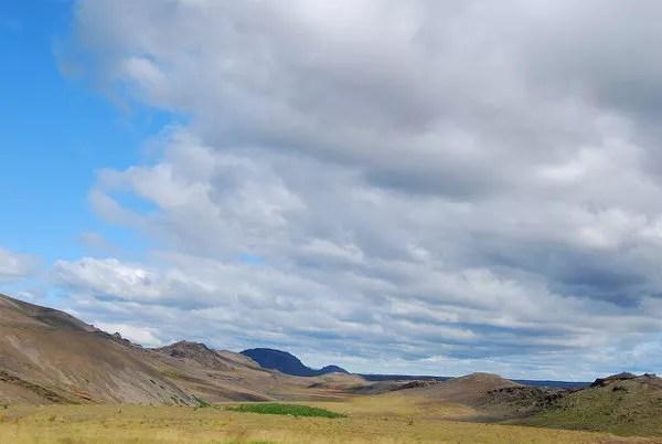 Nubes y paisajes de Islandia
