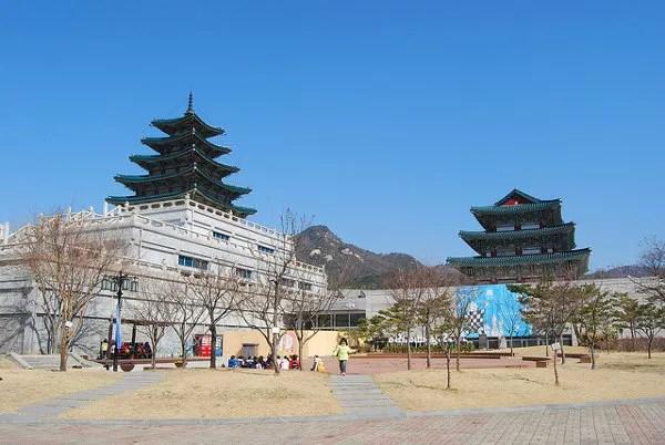 Pagoda del Museo Folclórico Nacional de Corea