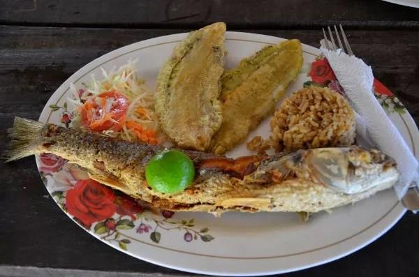Pescado frito en el PNN Tayrona