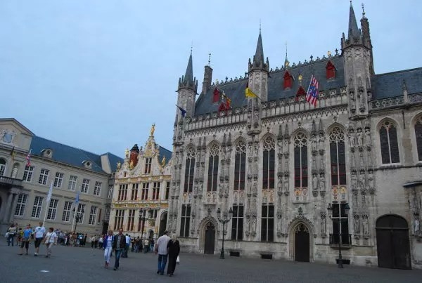 Plaza Burg de Brujas