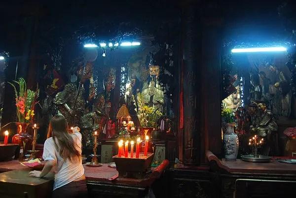 Santuario principal de la Pagoda del Emperador de Jade
