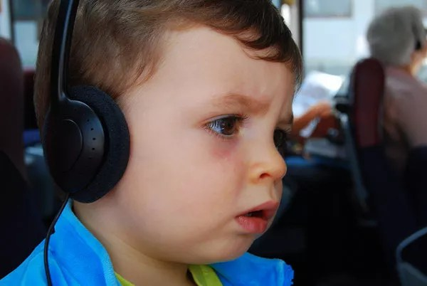 Teo con auriculares