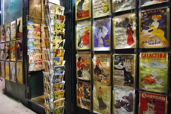 Tienda de carteles de Montmatre en París