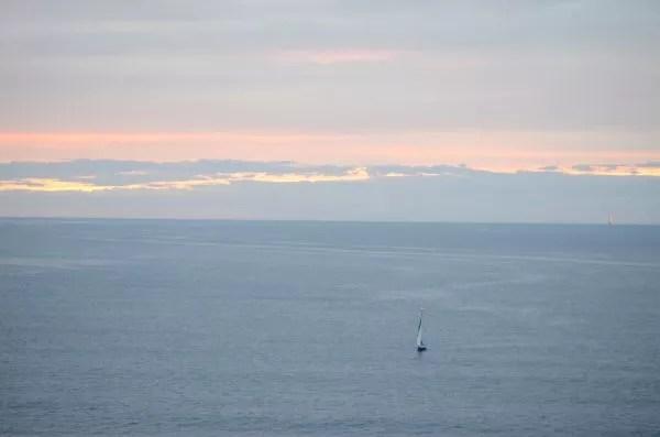 Un velero frente a las costas de Lekeitio