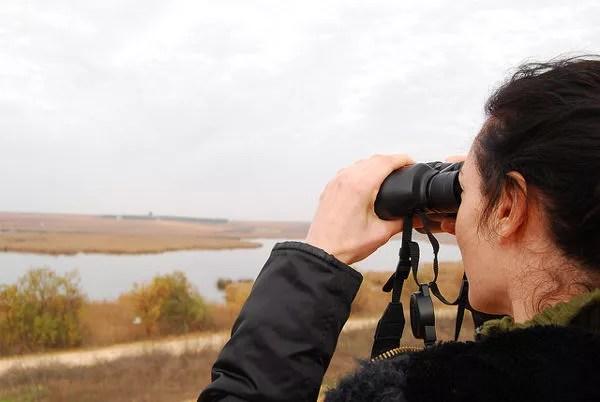 Vero practicando avistamiento de aves