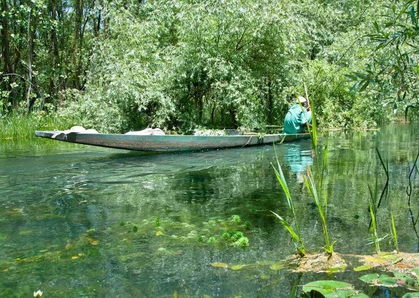 Viajes a India con Panipuri Viajes, barca