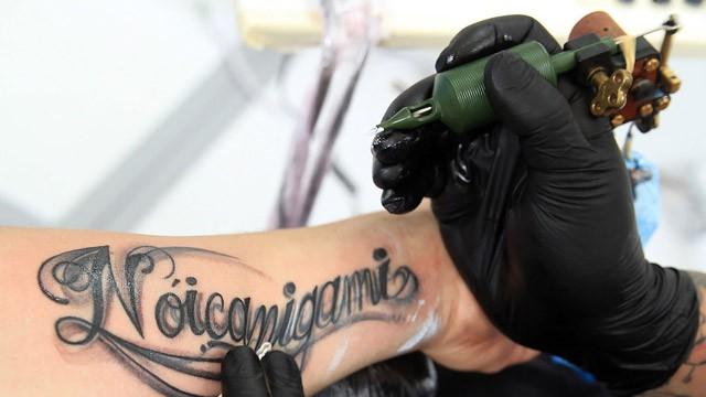 Expertos Alertan De Los Peligros Desconocidos De Los Tatuajes