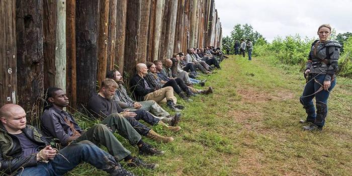 Prisioneros en Hilltop The Walking Dead El Palomitrón