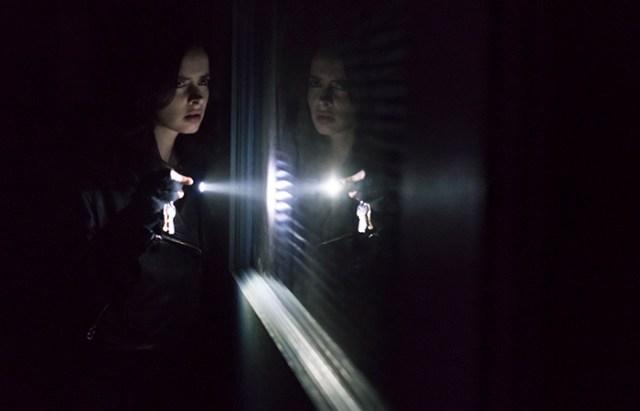 Jessica investigando Jessica Jones El Palomitrón