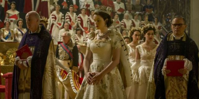 Claire Foy como Isabel en The Crown El Palomitrón