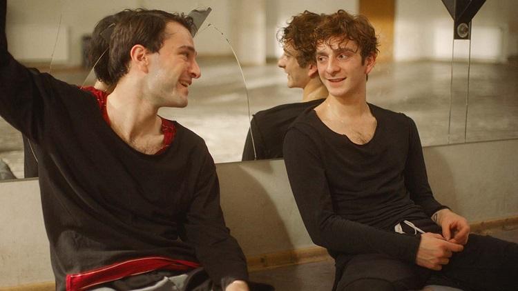 Irakli y Mareb en la escuela de danza