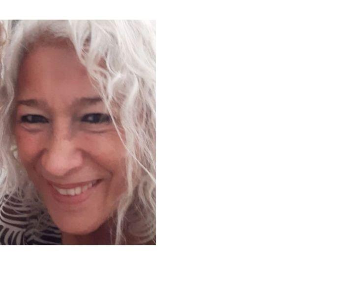 """Gri Killian te lee un cuento. Libro de Angeles Mastretta: """"Mujeres de ojos grandes""""."""