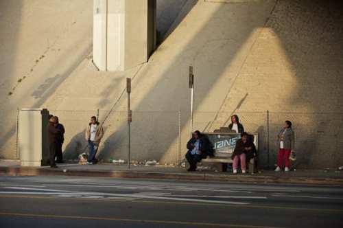 Parada de autobus en Los Angeles. (Foto Peter Watkins/El Pasajero)