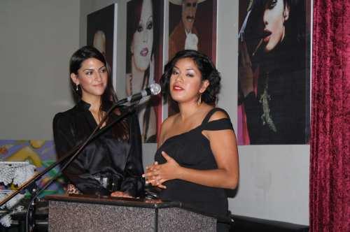Laura Torres recibió un reconocimiento por su creatividad e impulso al movimiento ciclista en Los Angeles. (Foto Agustín Durán/El Pasajero)
