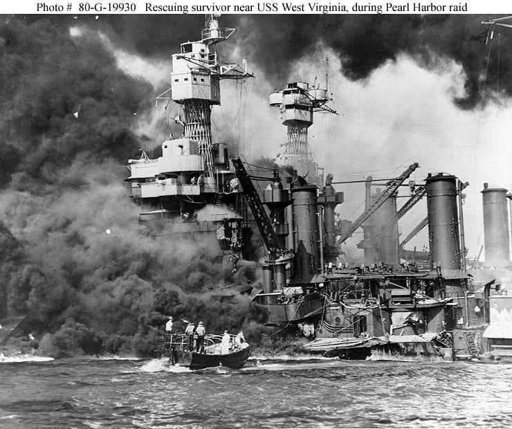 Fotografía oficial U.S. Navy, colección National Archives.