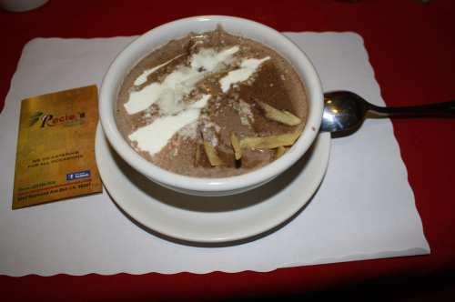 Diosa Azteca o sopa de tortilla, para chuparse los dedos. (Foto Agustín Durán/El Pasajero).