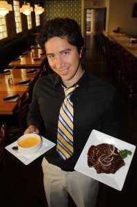 Jorge Gamboa, dueño del restaurante. (Foto Agustín Durán/El Pasajero)