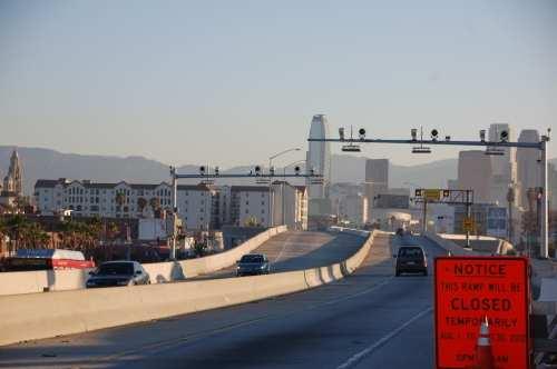 Autopista Harbor 110 y rampa de salida en Adams Blvd.