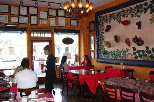 La Casita Mexicana está ubicada en 4030 Gage Avenue, en Bell, California. (Foto Agustín Durán/El Pasajero0>