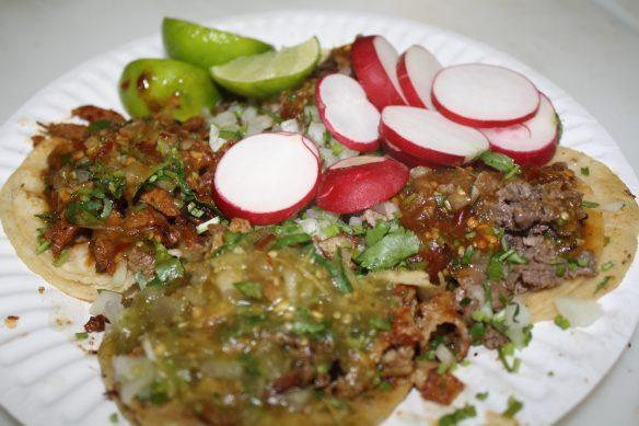 Tacos El Pecas donde se comerá cuando menos ¡cinco tacos!. (Foto de Agustín Durán/El Pasajero).