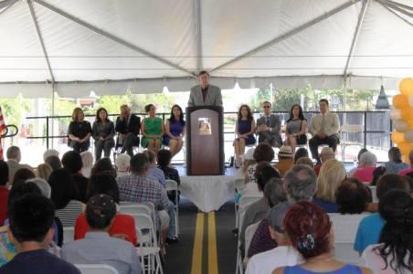John Fasana, miembro de la Junta Directiva de Metro durante la ceremonia de inauguración. Foto: Andrew Farias/Baldwin Park.