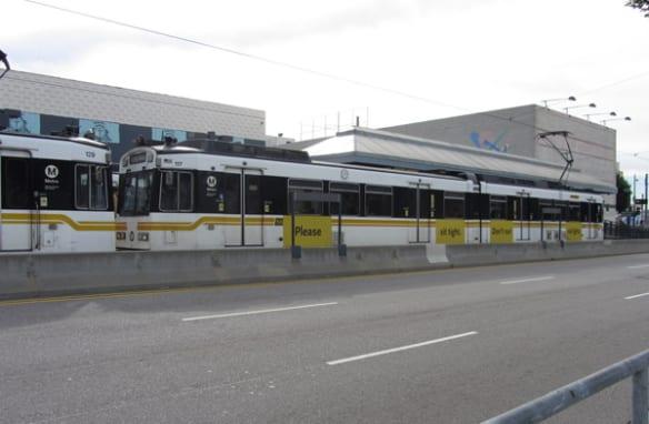 Los trenes existentes que se utilizan para las líneas Azul y Expo.