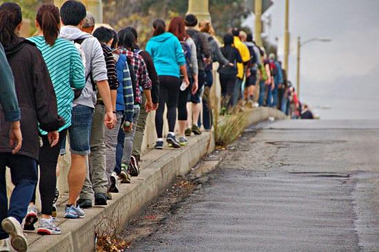 Cada año participan unas 300 personas en esta caminata: Foto: Atwater Village Newbie via Flickr.