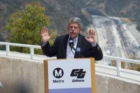 El supervisor de L.A. e integrante de la Junta de Metro, Zev Yaroslavsky.