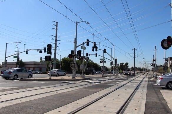 Cruce en Mountain Avenue, cerca de los límites entre Monrovia y Duarte. Foto: Dirección de Construcción de la Línea Dorada a Foothill.