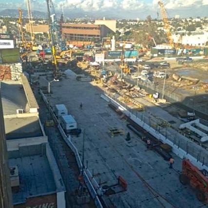 Expo construction1