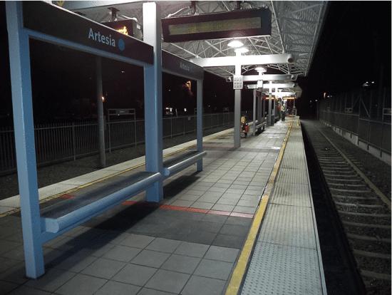 Nueva pintura en la estación Artesia. Foto: Metro.