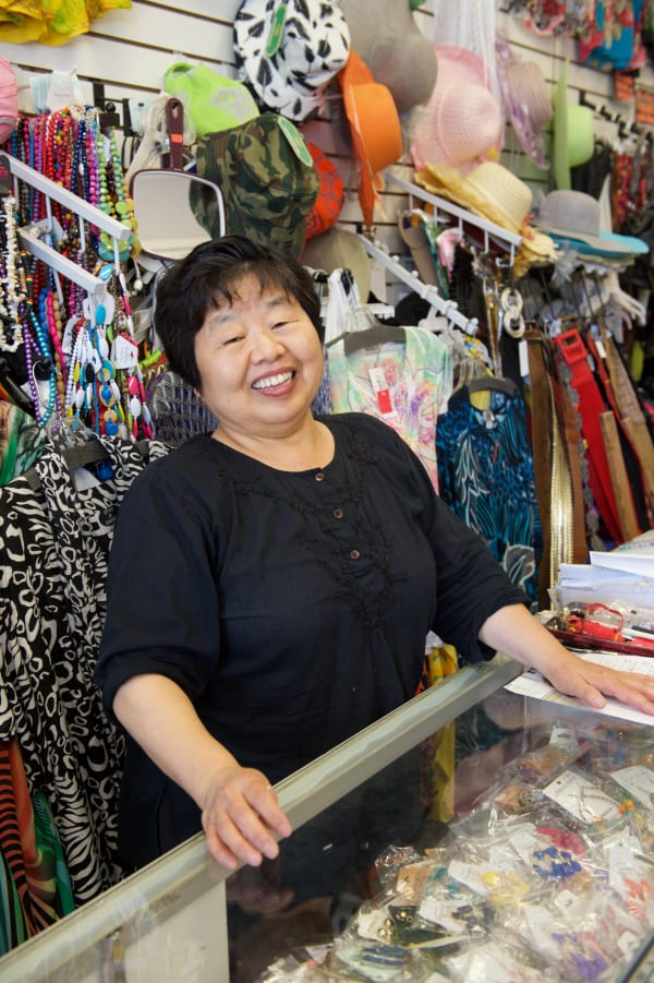 Eunice Pae, dueña de Sense Fashion. Foto: Gary Leonard/Metro.