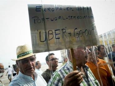 La protesta contra Uber se tornó violenta en Portugal. Foto: AFP.