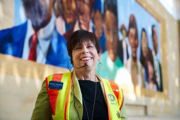 Barbara Lashenick, fundadora y coordinadora del Concejo de Docentes del Departamento de Arte de Metro.