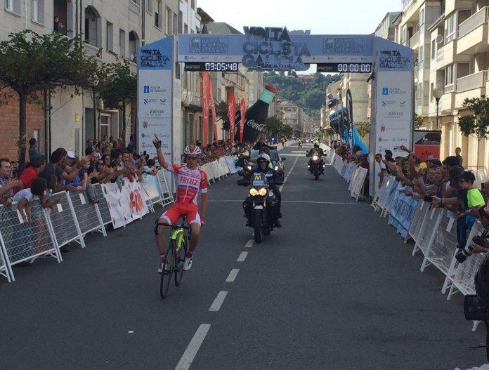 Marcos Jurado fue el protagonista en Verín (Foto: @F_Gal_Ciclismo )