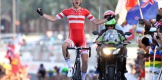 Jakob Egholm entrando a meta. Foto © Graham Watson / CyclingWeekly