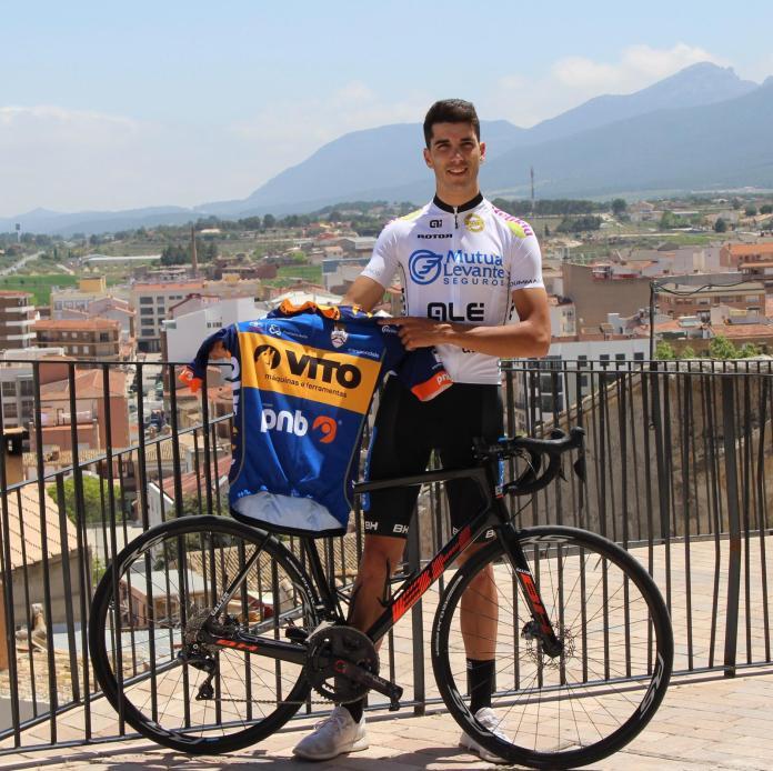 Raúl Rico será profesional con el Vito-Feirense-PNB