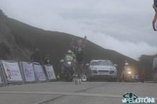 Fancellu triunfante en la cima de Andares (Foto: Fabio López. ElPelotón)