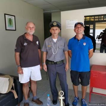 con el ofcial de la Marina del Brasil y Francesco
