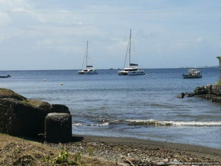 anclados en Scaraborough, Tobago